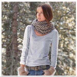 Sundance Ruched Velvet Sleeve Top